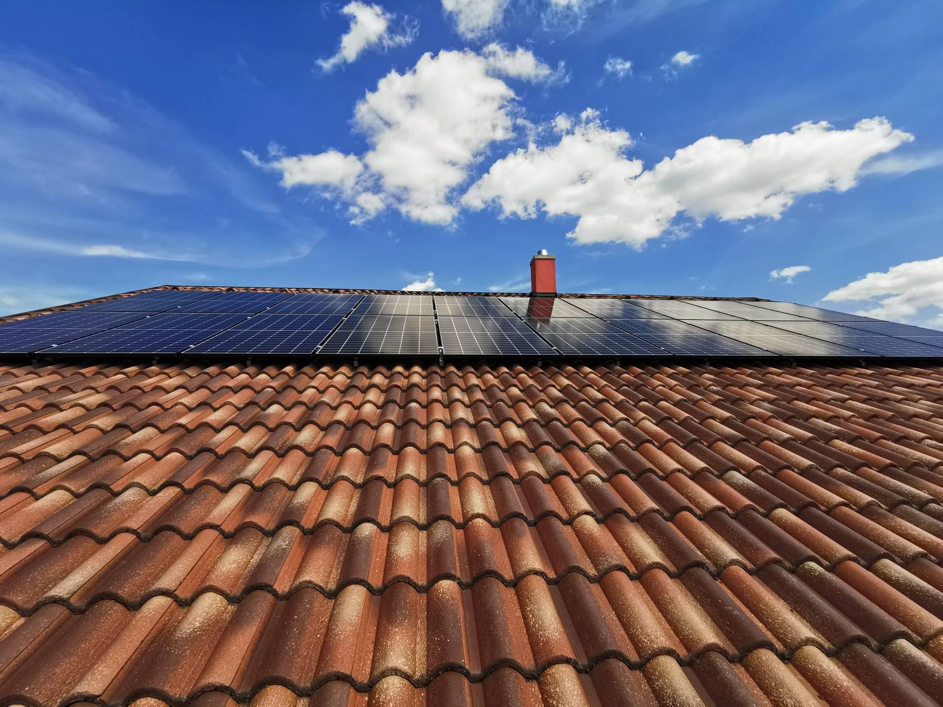 napelem háztetőn